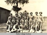 Womens War Canoe Racing, 1922